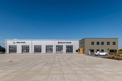 Produktions- und Lagerhalle mit Verwaltung